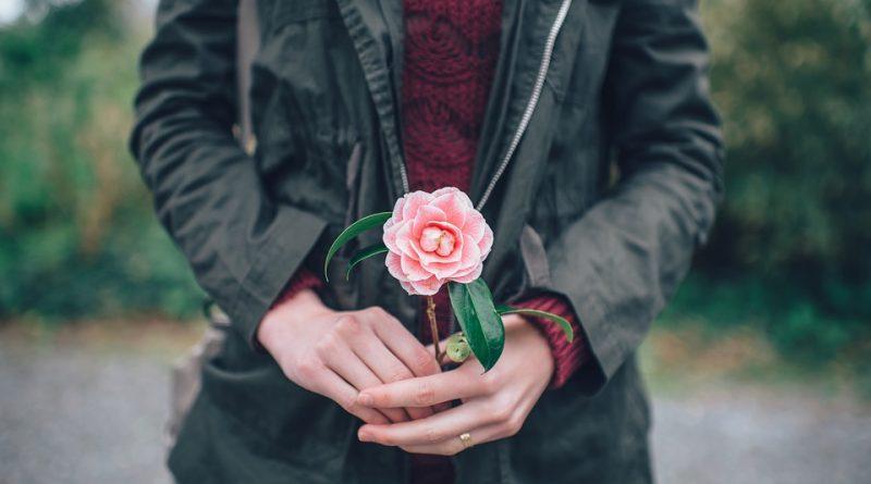 Darujte květiny podle jejího horoskopu