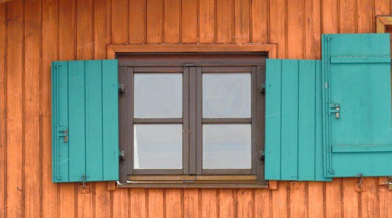 Dřevostavby válcují zděné domy. Proč je o ně takový zájem?