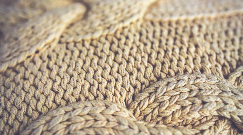 Retro svetry jsou v módě. Jaké konkrétní si pořídit?