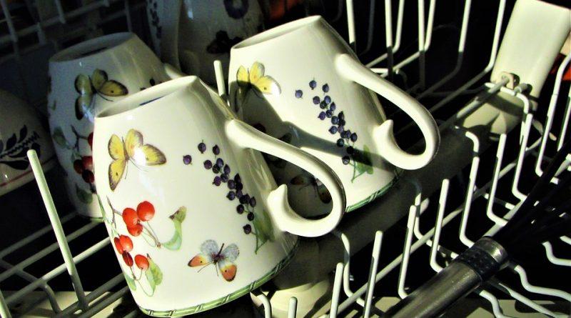 V myčce nemusíte mýt jenom nádobí